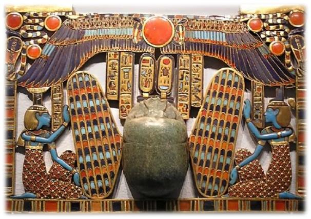 tutankhamun-pectoral-horus